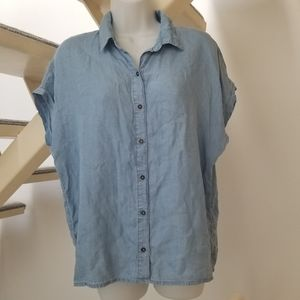 Forever21 Shortsleeve Blue Chambray Button Shirt M